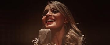 Denyse Bittencourt e Felipe Cruz lançam o clipe 'Lugares Altos'; assista