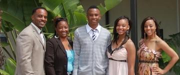 """Pastor de famílias fala sobre o namoro e casamento de seus filhos: """"O exemplo vem de nós"""""""