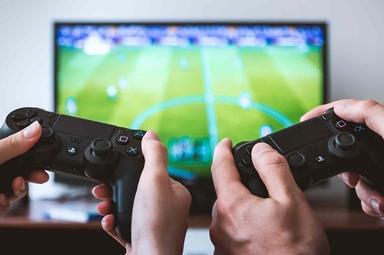 Encontros para jogos se tornaram encontros para compartilhar o Evangelho. (Foto: Pixabay)