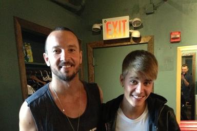 Pastor Carl Lentz, líder da igreja Hillsong em Nova York e Justin Bieber. (Foto: Instagram/Judah Smith)