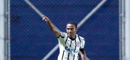 Elias marca o único gol da vitória do Timão