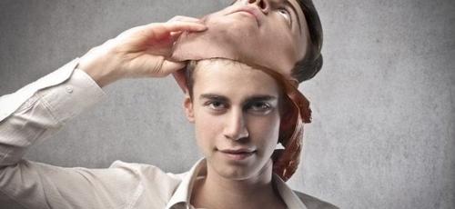 Religiosidade e hipocrisia. (Foto: fr.linkedin.com)