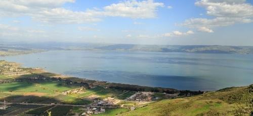 Vista da região de Kinneret, onde se localiza o Mar da Galileia. (Foto: Shutterstock)