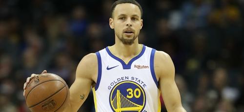 Stephen Curry é o armador do Golden State Warrios e considerado atualmente, um dos jogadores mais influentes da NBA. (Foto: Fox Sports)