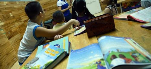 Crianças estão tendo acesso a Bíblias ilustradas no Vietnã. (Foto: Portas Abertas)