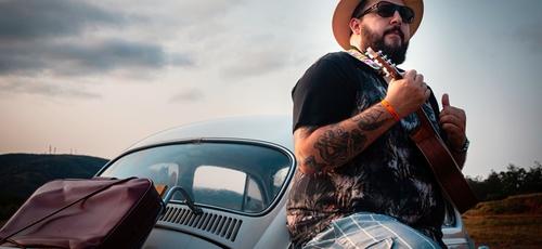 """Cantor Mantovani está lançando nova versão do single """"Em Teu Nome"""". (Foto: Divulgação)"""