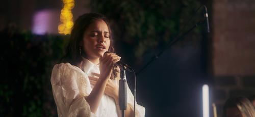 """Julia Vitória está lançando o clipe """"Me Deixe Aqui"""" em um medley com o hino """"Tudo Entregarei"""". (Foto: Divulgação)"""
