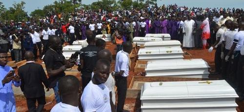 Perseguição religiosa matou mais de 2.200 cristãos na Nigéria, em 2020. (Foto: Emmy Ibu/AFP via Getty Images)