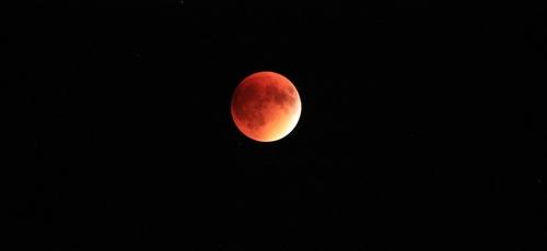 Com eclipse total da lua, 'superlua de sangue' ficará visível neste domingo. (Foto: Pixabay)