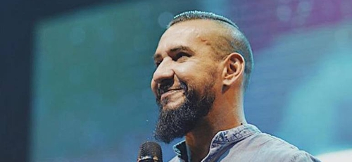 Rodolfo Abrantes se inspira na história do apóstolo Paulo para falar sobre os momentos de dificuldades. (Foto: Reprodução/Facebook)