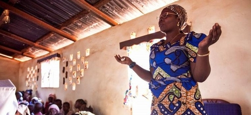 Igrejas trabalham em conjunto com SIL International para auxiliar pessoas com traumas. (Foto: Reprodução/Wycliffe USA)
