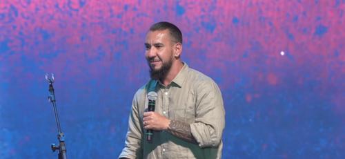 Rodolfo Abrantes falou sobre a importância de estar na vontade de Deus e se preparar para a próxima estação. (Foto: Reprodução/YouTube)