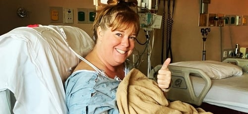 Aimee Powell após aneurisma. (Foto: Reprodução/Instagram)