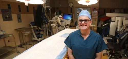 Dr. W. Lee Warren, neurocirurgião cerebral. (Foto: Cayla Nimmo/Star Tribune)