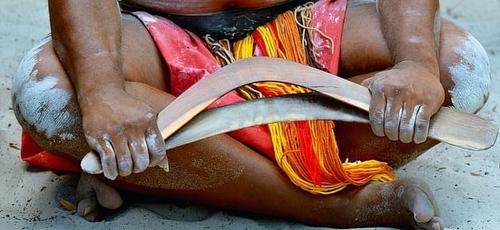 Os anciãos aborígenes em uma comunidade remota da Austrália Ocidental querem proibir os cristãos de visitar sua região. (Foto: ChameleonsEye/Shutterstock)