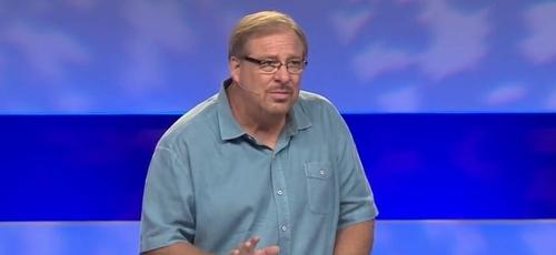 """Rick Warren: """"Mude do pensamento autocentrado para o pensamento centrado nos outros."""" (Foto: Reprodução/ Saddleback Church)"""
