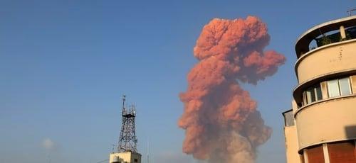 Grande explosão atingiu capital libanesa, Beirute, nesta terça-feira (4). (Foto: Anwar Amro/AFP)