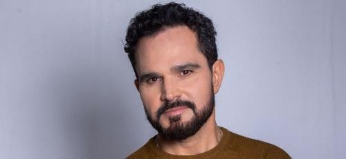 """Luciano Camargo lança o álbum """"A Ti Entrego"""" em projeto solo. (Foto: Reprodução/Luciano Camargo)"""