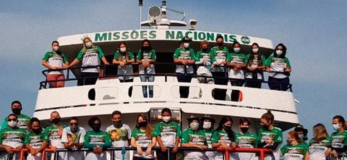 Médicos foram enviados pela Missão Saúde no barco 'O Missionário' na Amazônia. (Foto: Missões Nacionais)