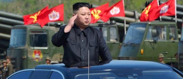 Kim Jong-un, líder da Coreia do Norte, durante exercício militar em seu país. (Foto: KCNA/Reuters)