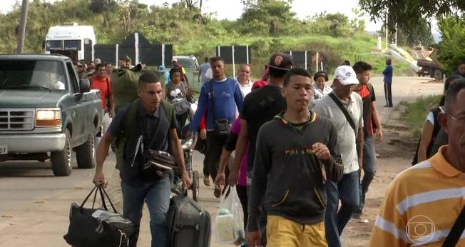 Refugiados venezuelanos que chegam ao Brasil precisam aprender a língua para conseguir emprego. (Foto: Reprodução).