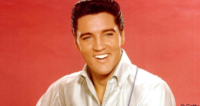 O álbum contará com vocais de apoio de artistas que dividiram o palco com Presley. (Foto: Reprodução).