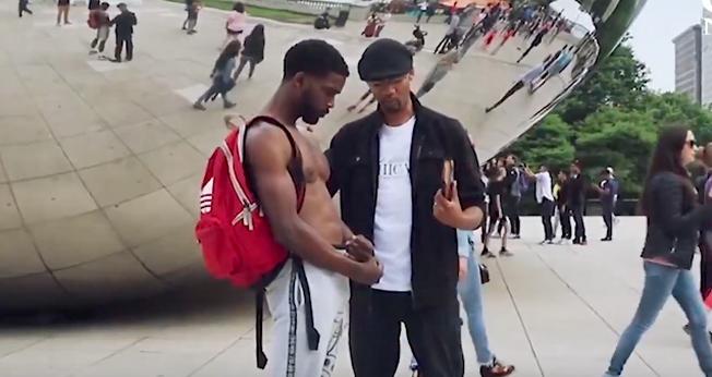 Igrejas levam o Evangelho às ruas para diminuir a violência em Chicago. (Foto: Reprodução)
