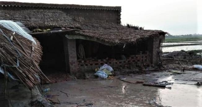 A casa de oração na vila de Dasmorra foi destruída após diversos ataques de radicais hindus. (Foto: CSW)