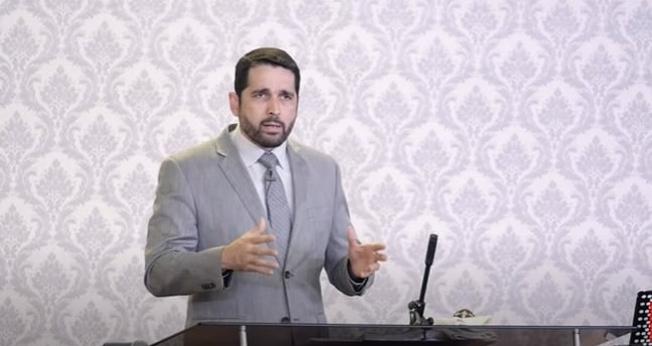 Pastor Paulo Junior lidera a Igreja Aliança do Calvário, em Franca (SP). (Imagem: Youtube / Reprodução)