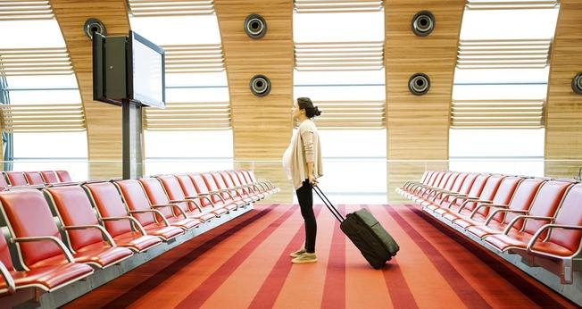 Os cuidados devem ser redobrados quando se trata de uma turista grávida. (Foto: Getty Images/iStockphoto)