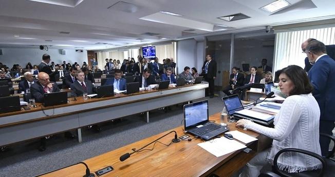 Sessão da Comissão de Constituição e Justiça foi presidida pela senadora Simone Tebet (MDB-MS). (Foto: Geraldo Magela/Agência Senado)