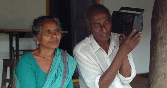 Gagana e Shreyars ouviram um programa de rádio e descobriram o amor de Deus. (Foto: Gospel For Asia)