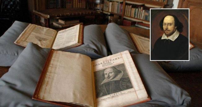 Um exemplar do First Folio de Shakespeare. (Foto: Reprodução / AFP)