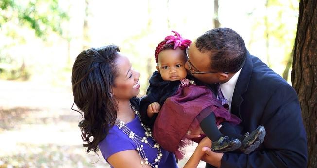 Renelle Robert foi curada da infertilidade. (Foto: Reprodução/Facebook).
