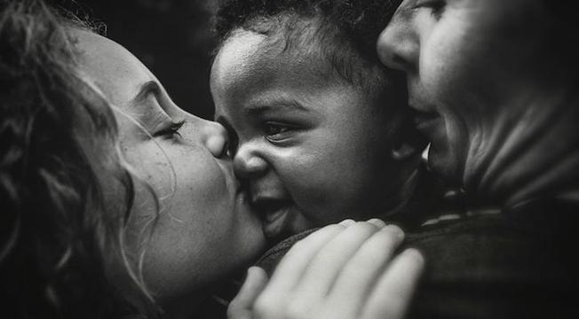 Álbum: O belo ato de adotar