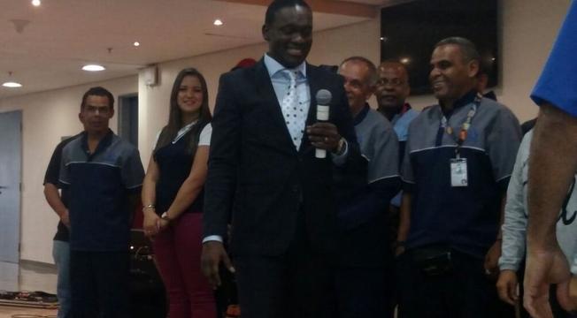 Culto com missionário Robson Staines, em auditório da Rede Globo (SP)