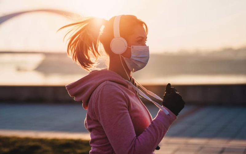 É importante fazer exercícios respeitando os devidos cuidados. (Foto: Reprodução)