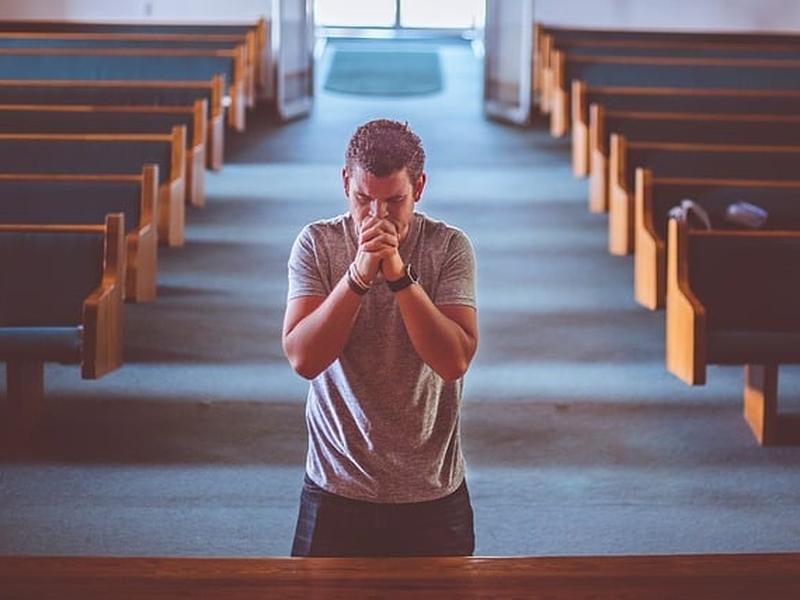 Jesus Cristo ensinou que o segredo da oração está na intenção do coração. (Foto: Pixabay)
