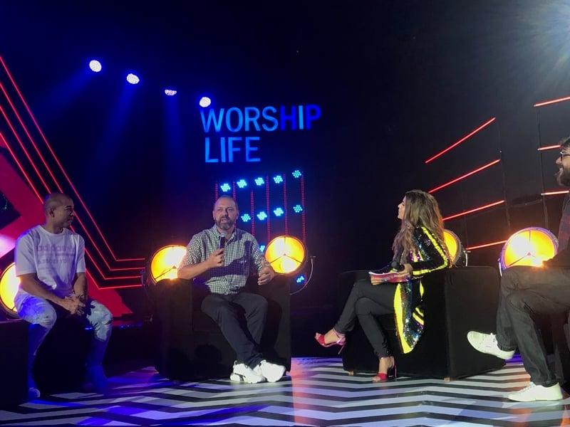 """Aline Barros recebeu convidados na estreia de seu programa """"Worship Life"""", contando com o apoio da Deezer. (Foto: Divulgação)"""