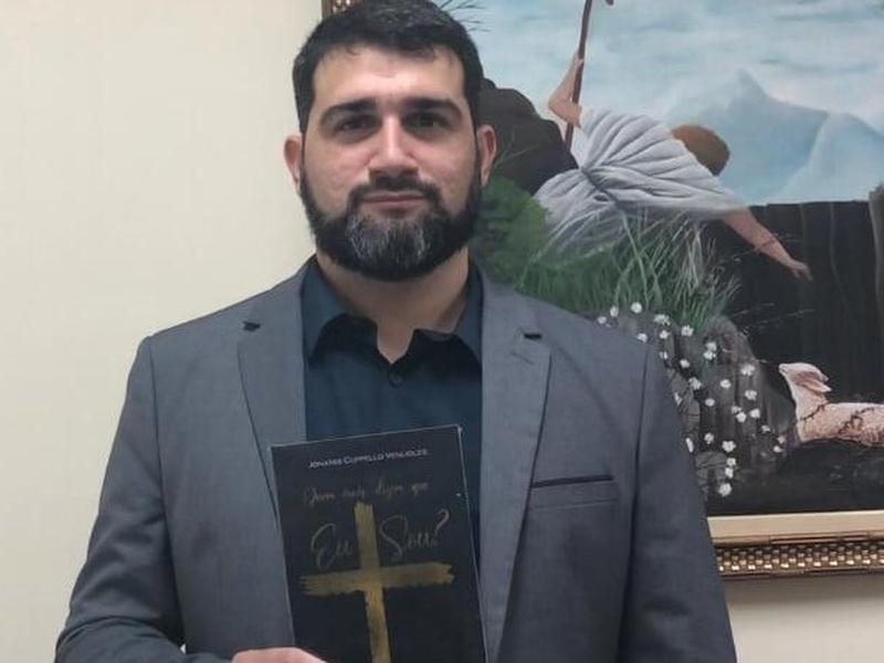 """Jonatas Cuppello é pastor Primeira Igreja Batista em Coelho da Rocha (PIBCR), em São João de Meriti (RJ) e autor do livro """"Quem Dizem que Eu Sou?"""", entre outras 7 obras. (Foto: Divulgação)"""