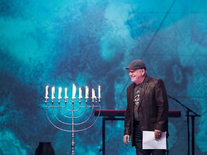 O cantor americano Paul Wilbur é líder de louvor da música judaico-messiânica. (Foto: Paul Wilbur Ministries)