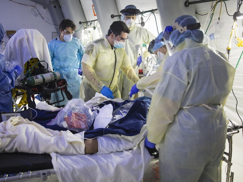 Profissionais de saúde se prontificam a manter rodízio para atender pacientes com Covid-19 em hospital de Campanha da Samaritan's Purse. (Foto: Samaritan's Purse)