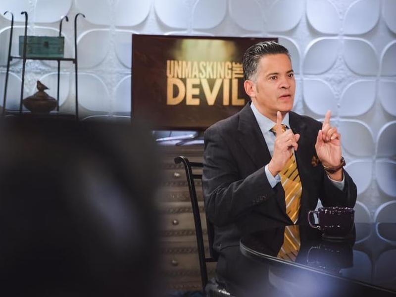 O evangelista John Ramirez é conhecido por seu testemunho de libertação do satanismo. (Foto: Reprodução/Facebook)