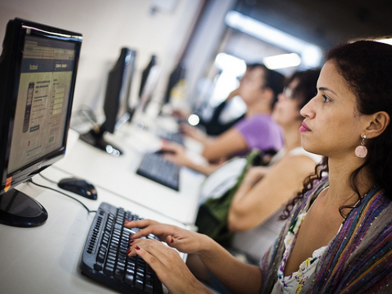 O plano é iniciar uma transição do modelo analógico para o digital até 2026. (Foto: Arquivo EBC/Reprodução)