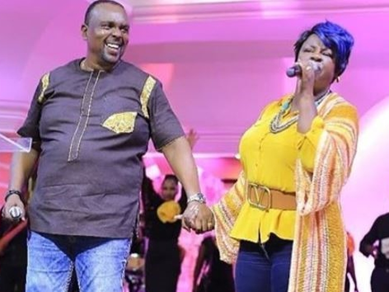 O casal de pastores Kathy e Allan Kiuna. (Foto: Reprodução/ Nairobiwire)