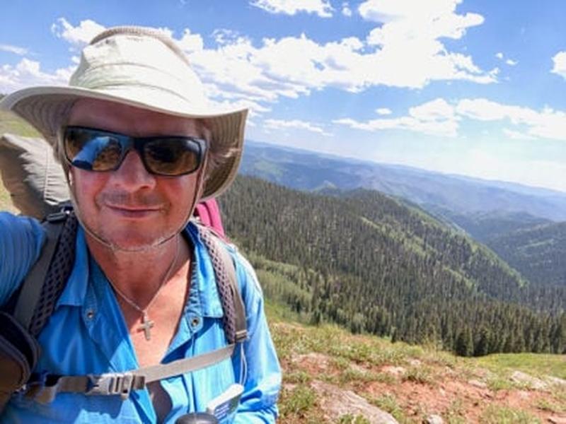 Chris Estus está caminhando 3 mil km para oferecer apoio pastoral ao longo da Trilha dos Apalaches. Foto: (Arquivo pessoal).