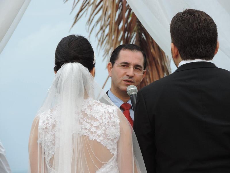 O pastor e palestrante Klauber Maia, realiza cerimônia de casamento. (Foto: Reprodução/Facebook).
