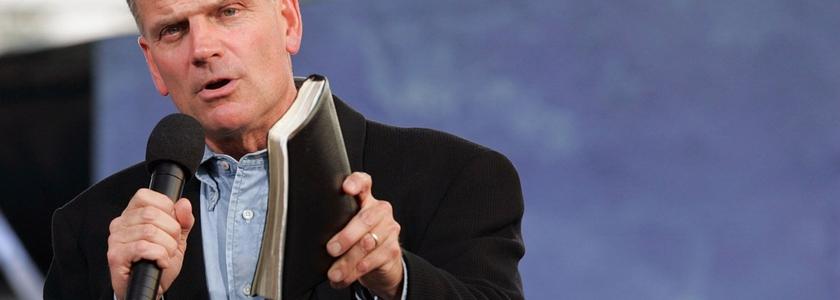 Franklin Graham deu uma grave advert�ncia aos crist�os que vivem nos Estados Unidos.