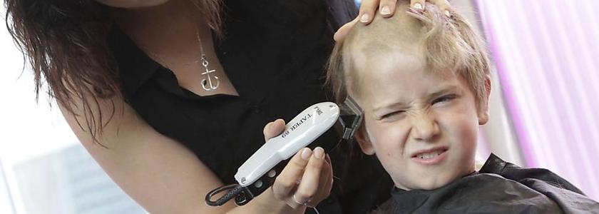 Criança participa da Campanha contra o câncer infantil