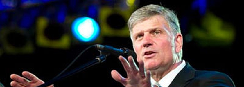 Franklin Graham é filho do grande evangelista Billy Graham e Presidente da 'Bolsa do Samaritano' e da Associação Evangelística Billy Graham.
